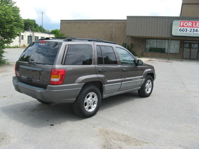2000 Jeep Grand Cherokee LS Flex Fuel 4x4 This Is One Of Our Best Bargains