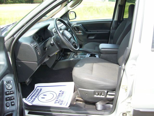 2004 Jeep Grand Cherokee Sedan 4dr