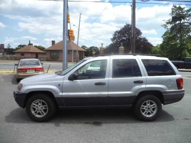2004 Jeep Grand Cherokee Base W/nav.sys Details. Pawtucket ...