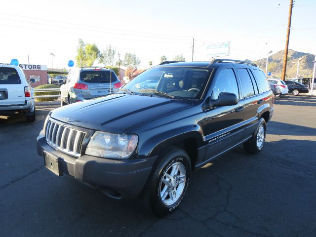 2004 Jeep Grand Cherokee LT Tv-dvdleathersunroof3rowcarfax Available