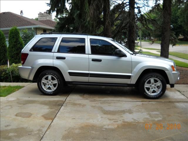 used jeep grand cherokee laredo trail rated 2005 details buy used jeep grand cherokee laredo. Black Bedroom Furniture Sets. Home Design Ideas