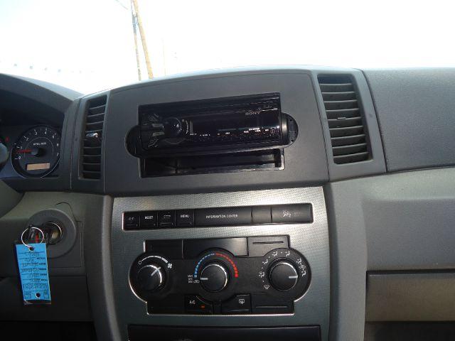 2005 Jeep Grand Cherokee Sedan 4dr
