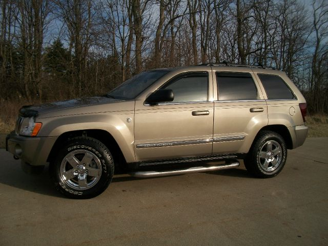 2005 Jeep Grand Cherokee Super