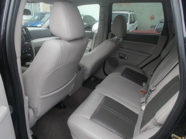 2006 Jeep Grand Cherokee Super