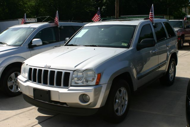 2007 Jeep Grand Cherokee Sedan 4dr