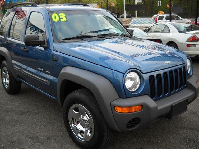 used jeep liberty sport 2003 details buy used jeep liberty sport 2003 in staten island ny. Black Bedroom Furniture Sets. Home Design Ideas