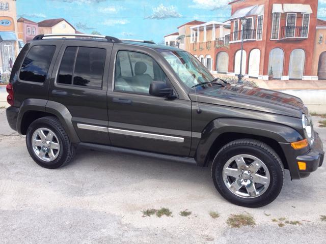 2005 Jeep Liberty SLT 25