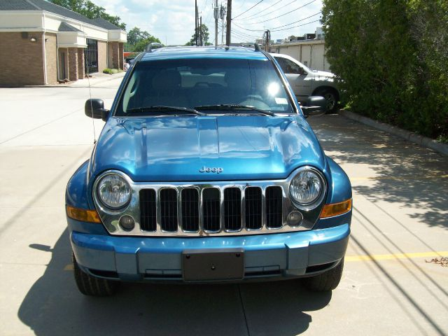 2005 Jeep Liberty LS Flex Fuel 4x4 This Is One Of Our Best Bargains