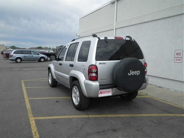 2005 Jeep Liberty C1500 Scottsdale