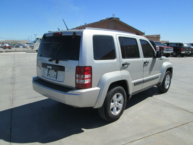 2009 Jeep Liberty Extended Cab V8 LT W/1lt