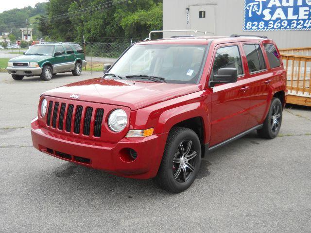 2010 Jeep Patriot Extended Cab V8 LT W/1lt