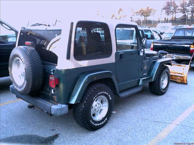 2000 Jeep Wrangler 2.0L Premium AWD