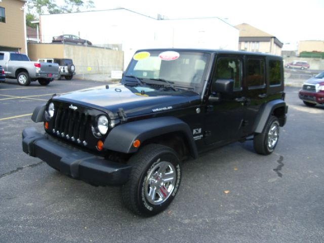 2007 Jeep Wrangler Unlimited 1500 Extended Cargo Clean