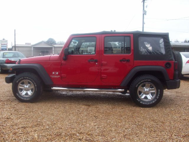 2007 Jeep Wrangler Unlimited ST Club Cab 8-ft. Bed 4WD