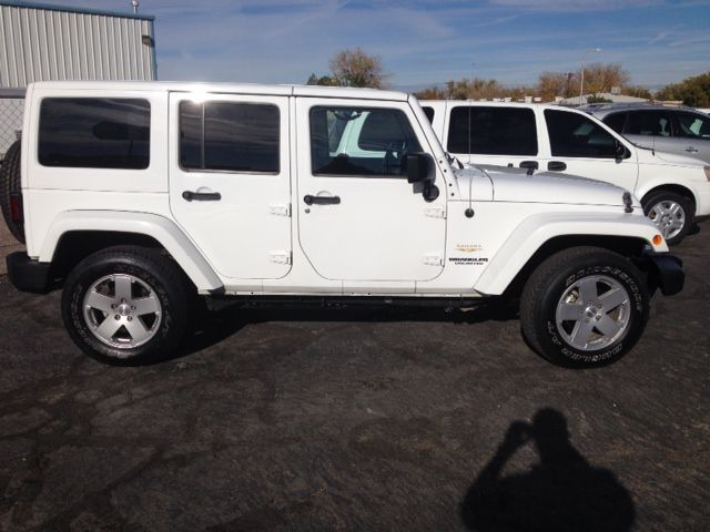 2011 Jeep Wrangler Unlimited 1500 Extended Cargo Clean
