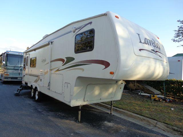 2004 Keystone Laredo 27RL XLT Supercab Long Bed 4WD