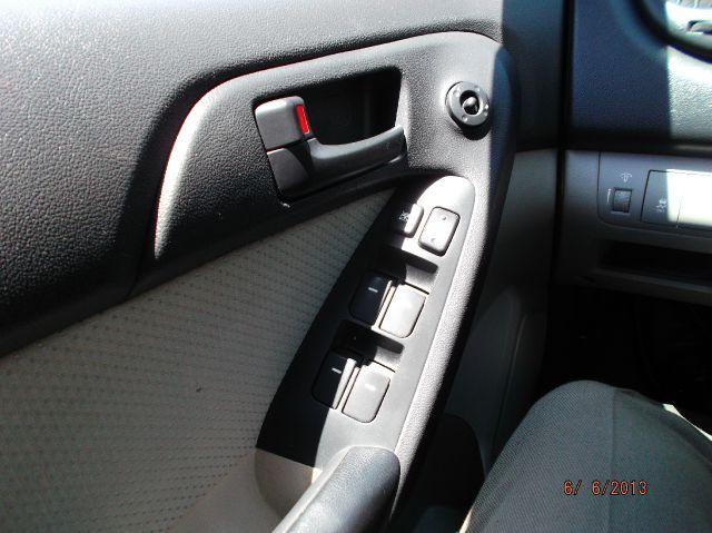 2010 Kia Forte Open-top