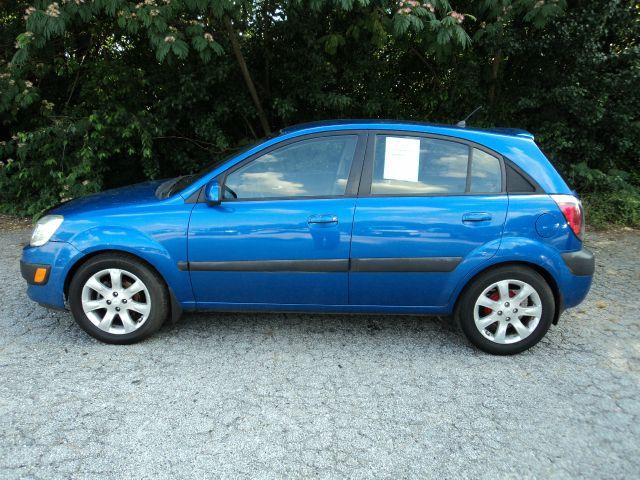 2008 Kia Rio5 AWD, REAR DVD, Navigation, 3RD ROW, Mem/heat Seats