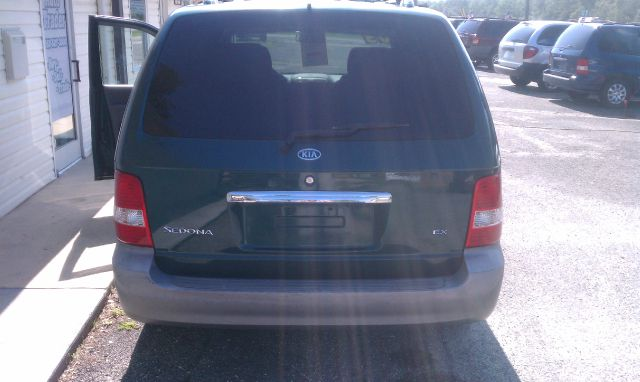 2003 Kia Sedona Open-top