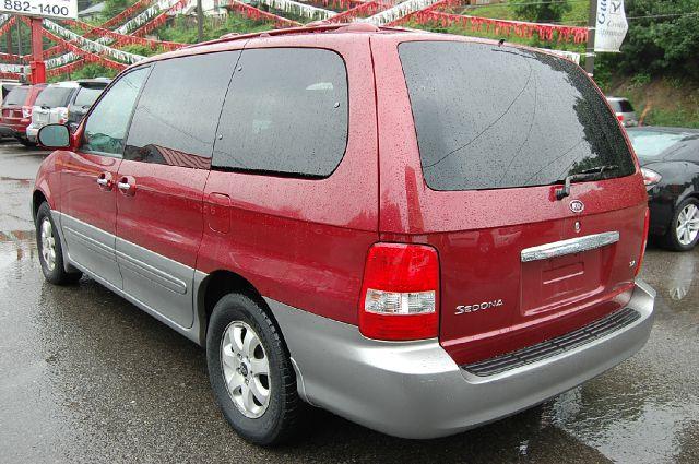 2004 Kia Sedona T6/ AWD