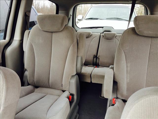 2008 Kia Sedona 2WD Crew Cab LWB XE Truck