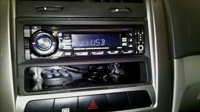 2006 Kia Spectra5 AWD, REAR DVD, Navigation, 3RD ROW, Mem/heat Seats