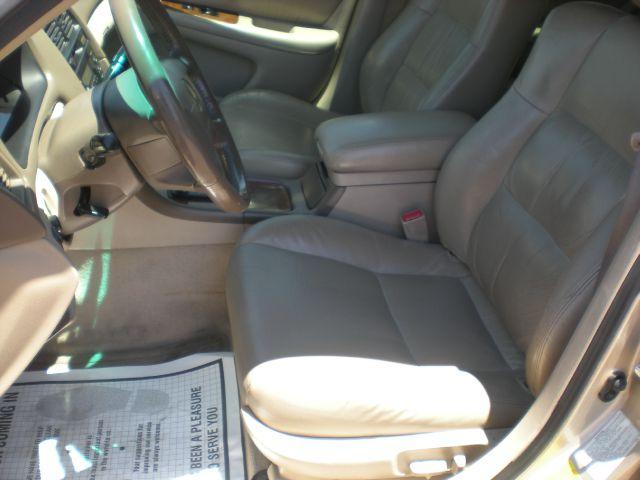 1998 Lexus ES 300 L.T. 4-w.d. 5.3L