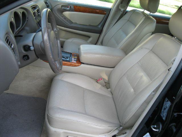 2000 Lexus GS 300 L.T. 4-w.d. 5.3L