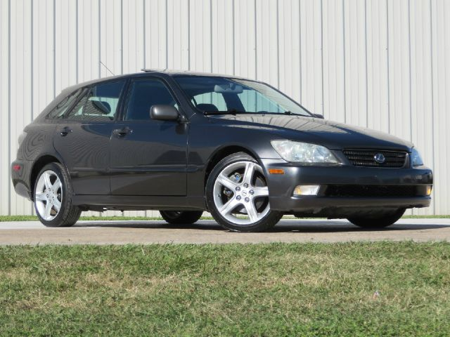 2002 Lexus IS 300 AWD W/1sasunroof