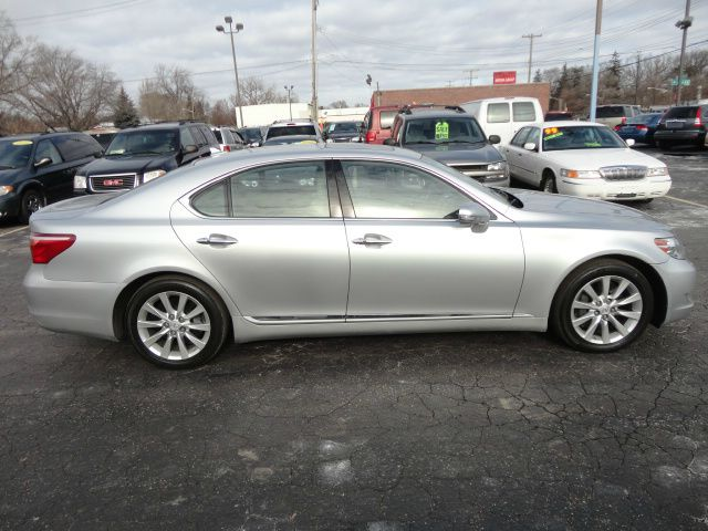 2010 Lexus LS 460 Limited/local Trade In