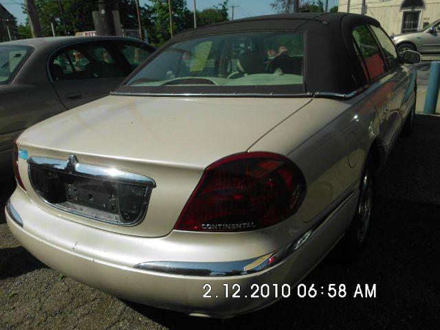 2000 Lincoln Continental L.T. 4-w.d. 5.3L