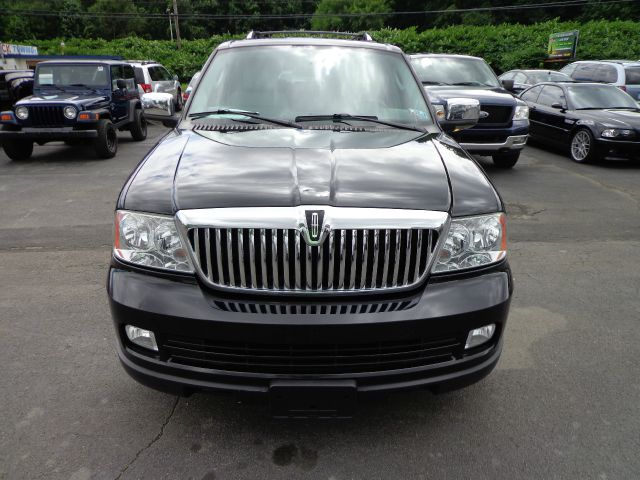 2005 Lincoln Navigator 2dr Coupe Convertible Details