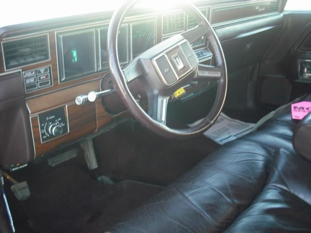 Used Lincoln Town Car Signature 1988 Details Buy Used Lincoln Town