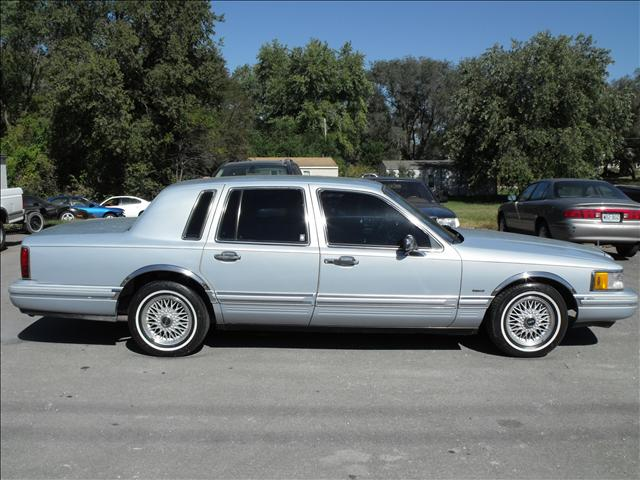 used lincoln town car signature series 1993 details buy. Black Bedroom Furniture Sets. Home Design Ideas