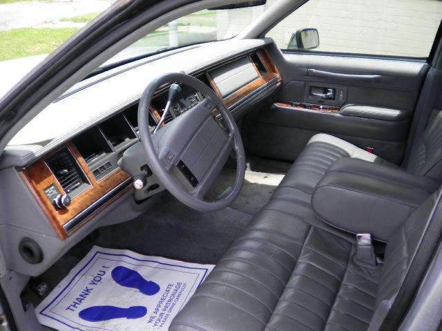 1994 Lincoln Town Car DOWN 4.9 WAC