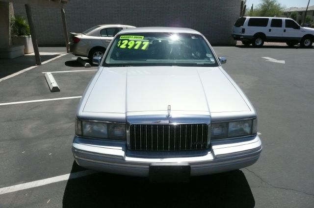 1994 Lincoln Town Car DOWN 4.9 WAC