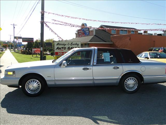 Lincoln Town Car Cartier Review