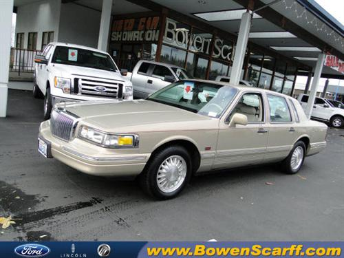 used lincoln town car signature cypress edition 1996 details buy used lincoln town car. Black Bedroom Furniture Sets. Home Design Ideas