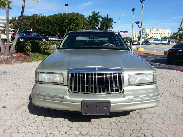 1997 Lincoln Town Car Unknown