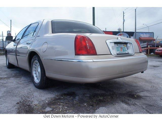 1998 Lincoln Town Car Unknown