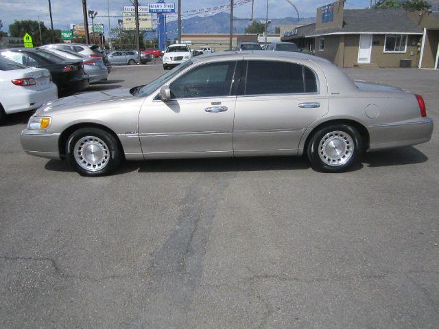1999 Lincoln Town Car DOWN 4.9 WAC