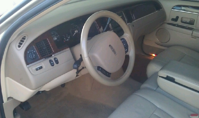 2007 Lincoln Town Car Alpha