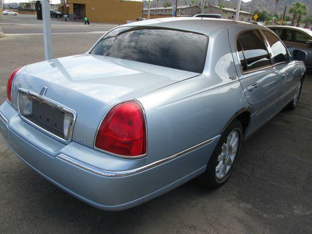 2007 Lincoln Town Car DOWN 4.9 WAC