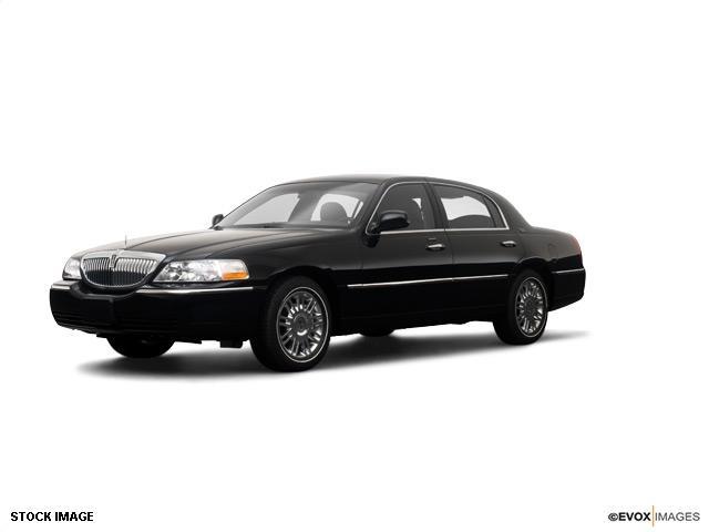 2009 Lincoln Town Car XLT 4X4 Diesel BAD Credit OK