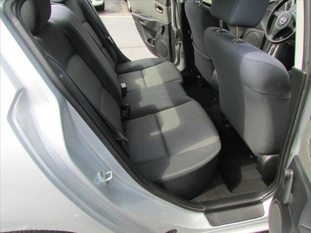 2004 Mazda 3 FWD W/3rd Row