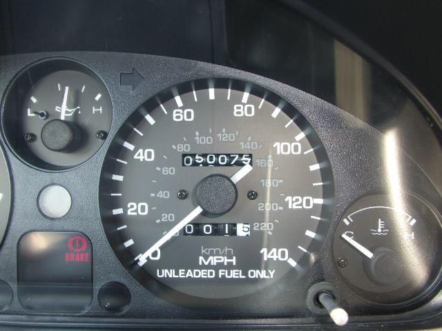1997 Mazda MX-5 Miata 2dr Roadster 3.0i