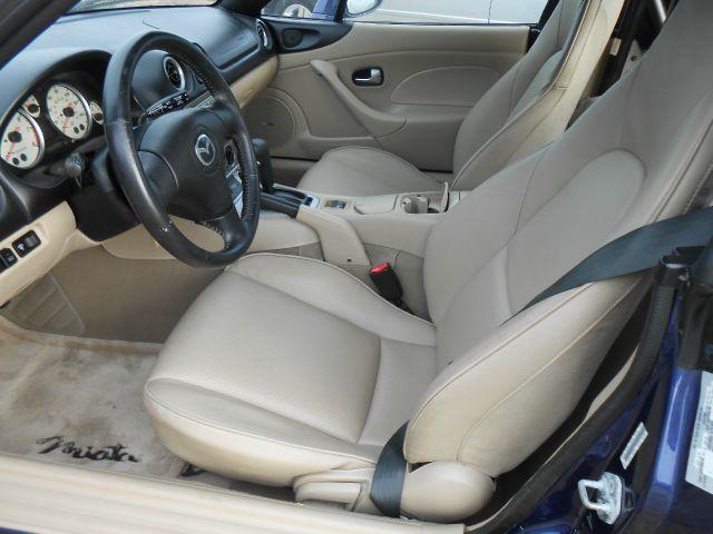 2004 Mazda MX-5 Miata Base