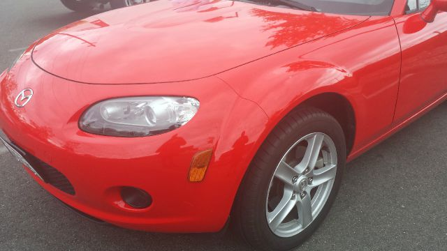 2006 Mazda MX-5 Miata 4dr 2.5L Turbo W/sunroof/3rd Row AWD SUV