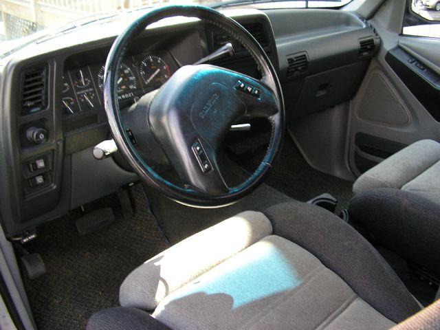 1992 Mazda Navajo SE Pickup 4D 5 1/2 Ft