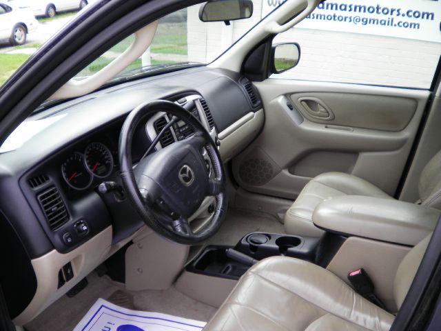 2004 Mazda Tribute LW2